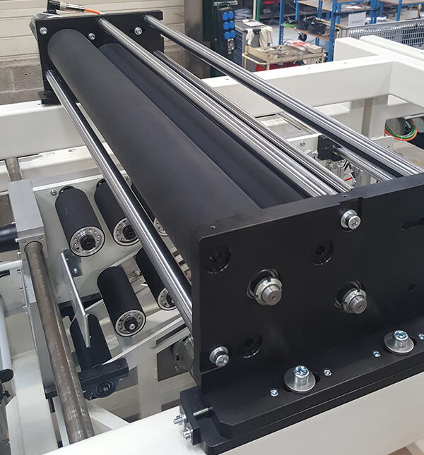 New conveyor roll